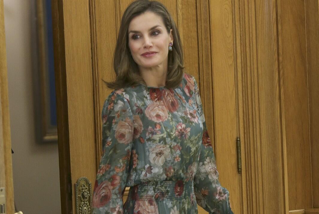 Los vestidos de Zara con los que puedes copiar el look de Letizia (por menos de 50 euros)