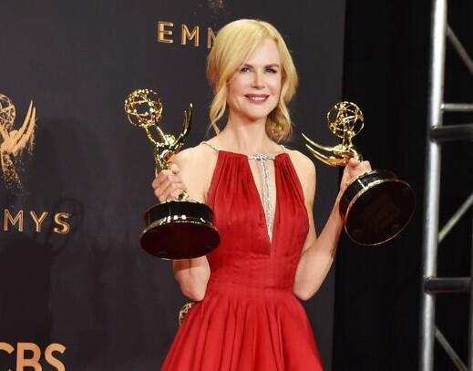 Todos los looks de la alfombra roja de los Premios Emmy 2017
