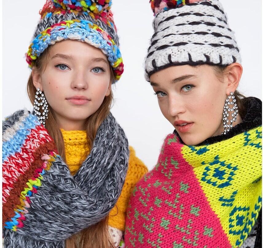 Complementos perfectos: 25 maxi bufandas para el invierno