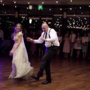 El épico baile de boda entre un padre y su hija que se ha vuelto viral