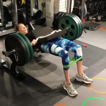 Kate Upton y su ejercicio para tener un culo perfecto