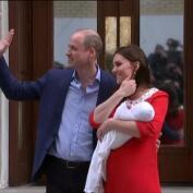Los Duques de Cambridge presentan a su tercer hijo
