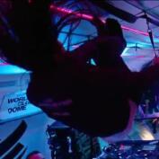Así se baila música electrónica en gravedad cero