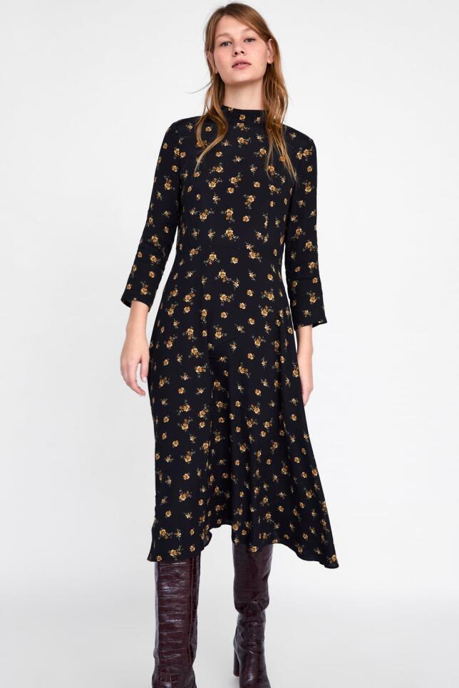 Vestido con estampado de flores de Zara 39,95 EUR