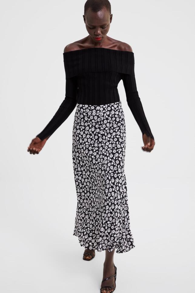 Falda con estampado de flores de Zara 39,95 EUR