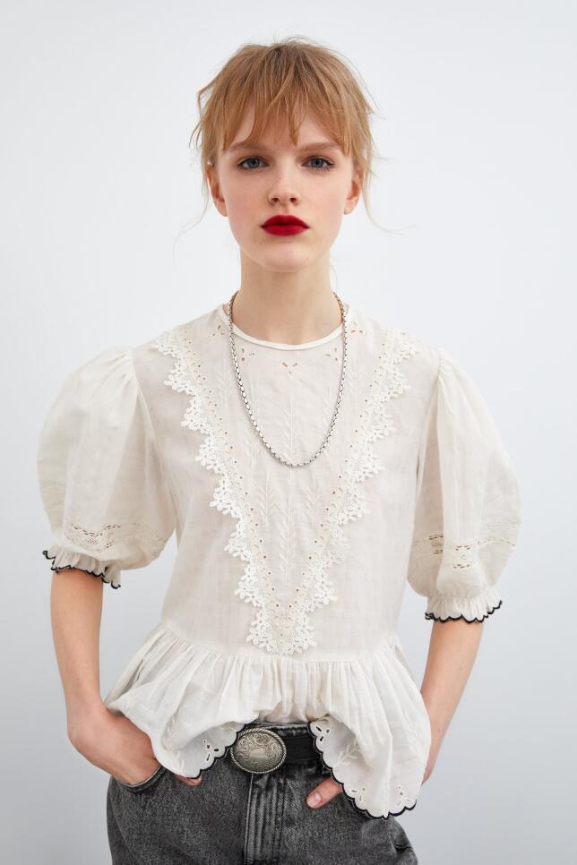 blusa con manga abullonada de Zara 25,95 EUR