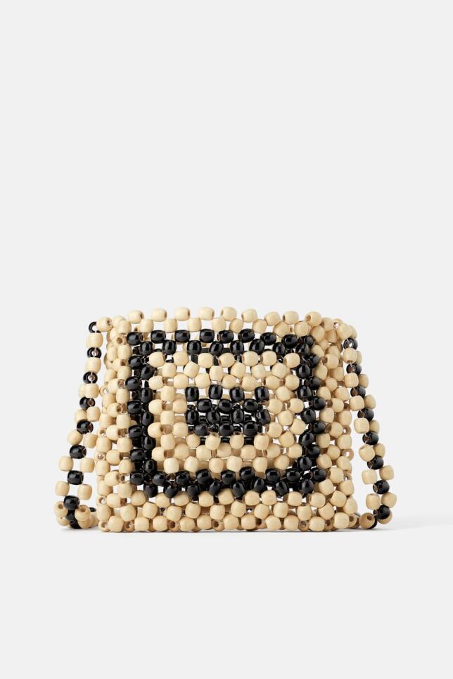 Bolso con bolitas de Zara 39,95 EUR