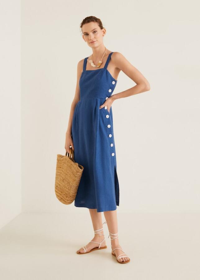 Vestido azul con botones de Mango 39,99 €