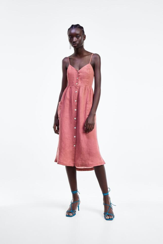 Vestido de lino rosa de Zara 39,95 EUR