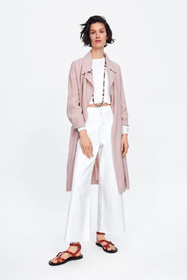 Chaqueta de lino rosa de Zara