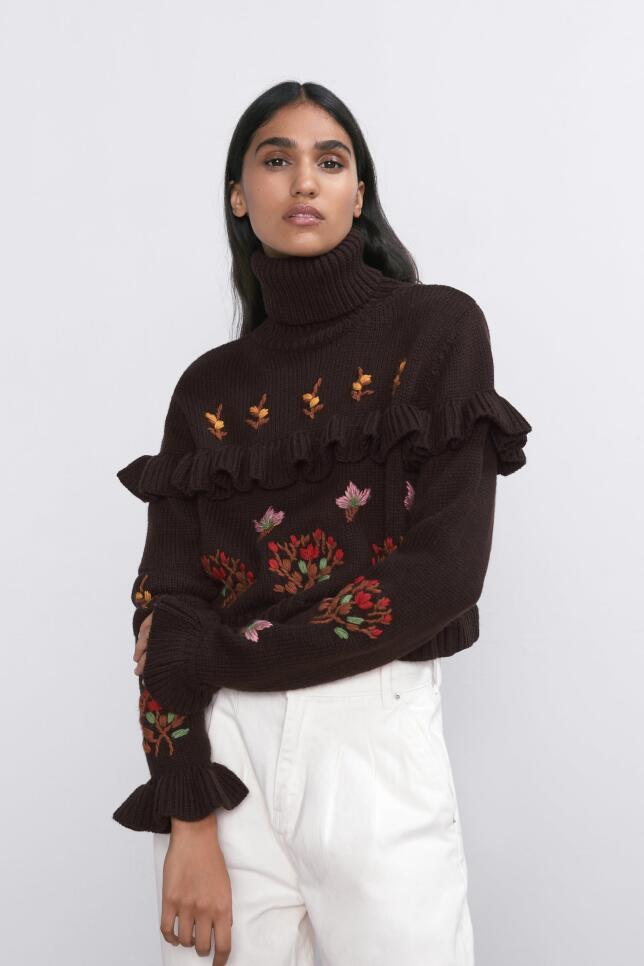 Jersey con bordados de Zara 29,95 EUR