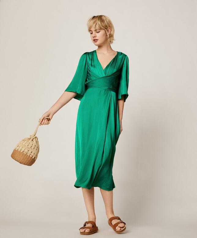 Vestido verde satinado de Oysho 35.99 €