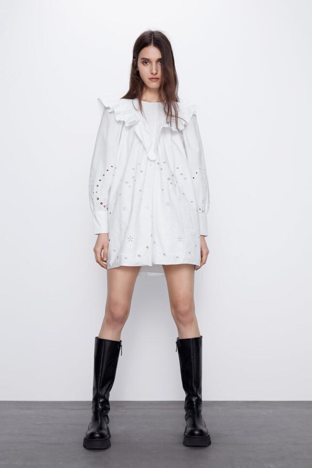 vestido blanco con calados de Zara 39,95 EUR