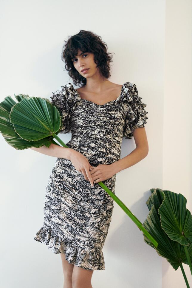 Vestido drapeado de Zara 39,95 EUR