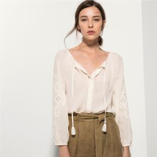 Las compras de la semana: blusa de Stradivarius