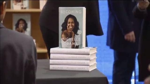 Michelle Obama publica el libro de sus memorias: 'Becoming'