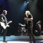 James Hetfield vuelve a rehabilitación y Metallica cancela su gira