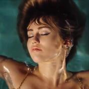 Miley Cyrus habla sobre generosidad y bondad en sus redes