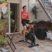 Carolina Marín sigue entrenando en su casa